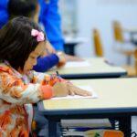 Cursuri de limba engleză pentru copii de clasa I vs juniori. Ce diferenţe există